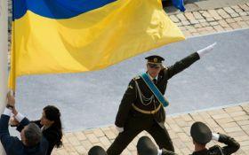 Вместе с Порошенко флаг подняла дочь Героя Украины: опубликованы фото