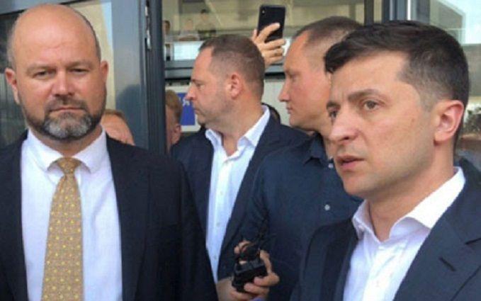 Соратники Зеленского вернули России деньги - первые подробности