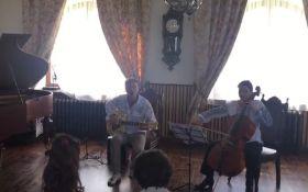 """Скрипка сыграл """"Любовь"""" вместе с послом Франции в Украине: опубликовано видео"""
