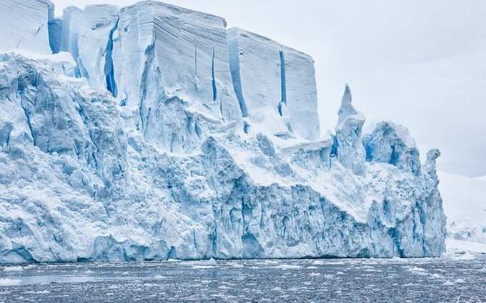 Слой из железных метеоритов может скрываться под льдом Антарктиды.