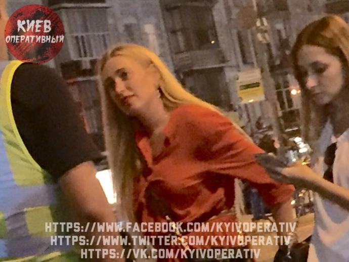 Українку, що стала знаменитою, спіймали п'яною за кермом: з'явилися фото (1)
