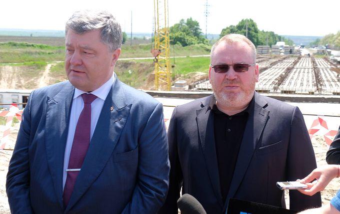 Масштабный ремонт дорог в Днепропетровской области стал возможным благодаря децентрализации, - Порошенко