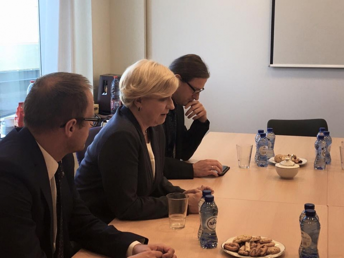 Представник з питань безпеки і оборони Європарламенту збирається в Україну (1)