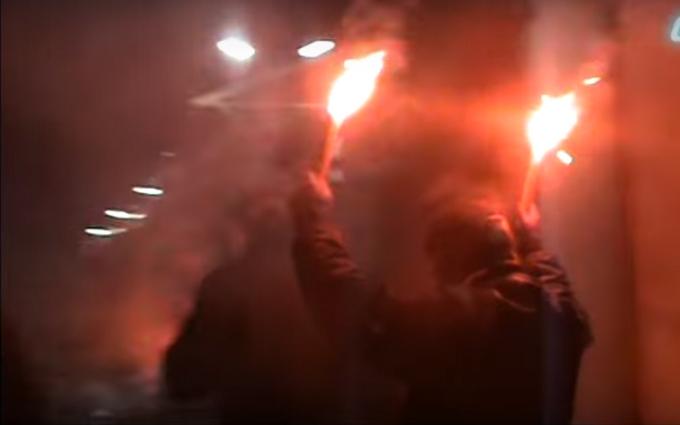 В Киеве со стрельбой напали на посольство России: опубликовано видео