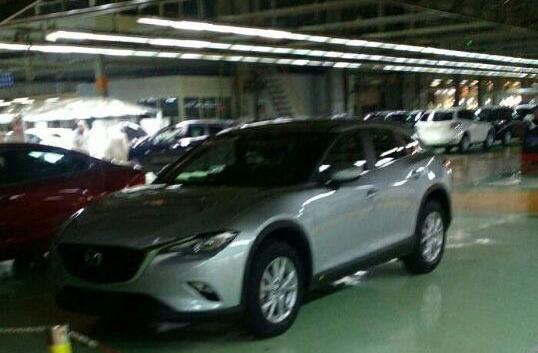 Фотошпигуни зняли кросовер Mazda CX-4 без камуфляжу (1)