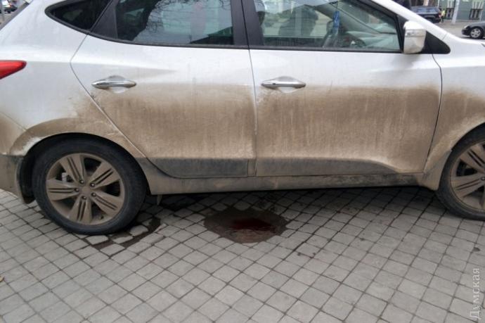 В Одессе охрана чуть не убила мужчину за кусок колбасы: опубликованы фото и видео (2)
