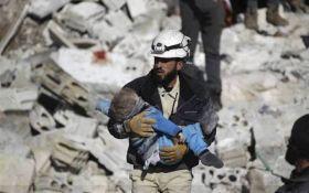 По сирийскому Идлибу нанесен новый мощный авиаудар: погибли десятки мирных жителей