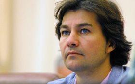 Депутаты местных советов потребовали отставки министра культуры