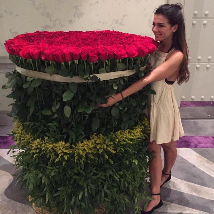 Українська співачка похвалилася гігантським подарунком: опубліковано фото (1)