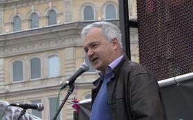 Продает ложь Путина о Донбассе и Крыме: британскому политику запретили въезд в Украину