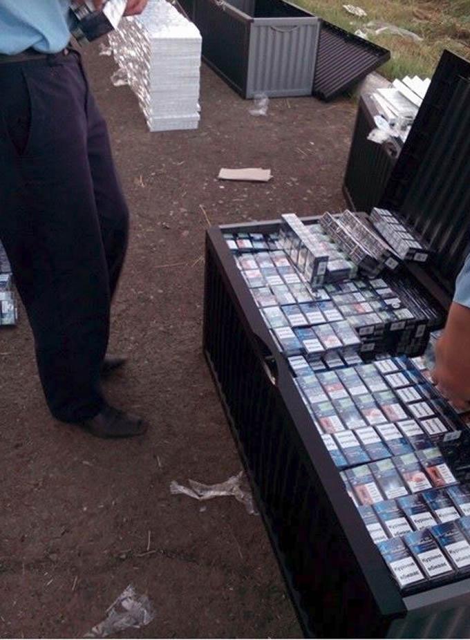 На Закарпатті знову затримана «дипломатична» контрабанда: опубліковані фото і відео (1)