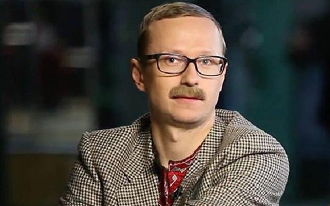 Відомий український журналіст виявився зразковим снайпером: з'явилося фото