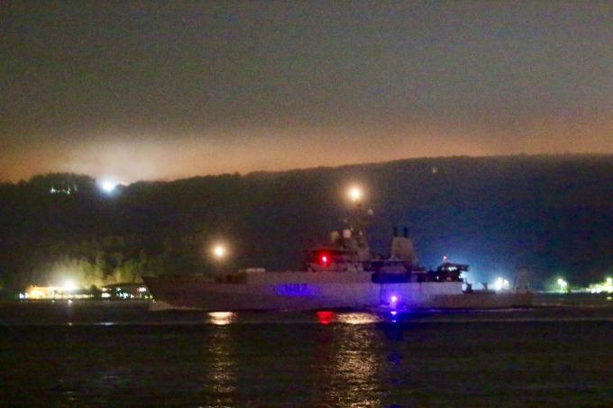 Военный корабль-разведчик Великобритании вошел в Черное море: опубликованы фото и видео (2)