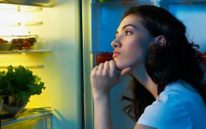 Как бороться с неприятным запахом в холодильнике: 7 надежных способов