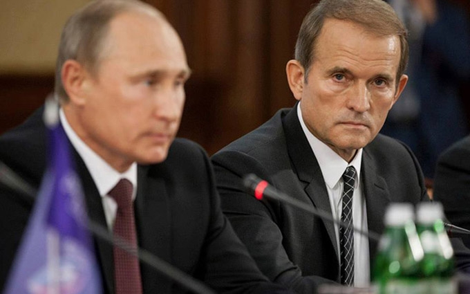 Одіозний політик прокоментував своє кумівство з Путіним