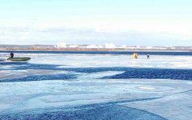 У Києві 30 рибалок на крижині трохи не відпливли назовсім: опубліковані фото