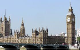 У здания британского парламента открыли стрельбу, много раненых: появились первые фото