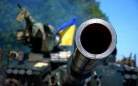 Яркий фейерверк: в сети показали видео, как ВСУ уничтожают военную технику боевиков на Донбассе