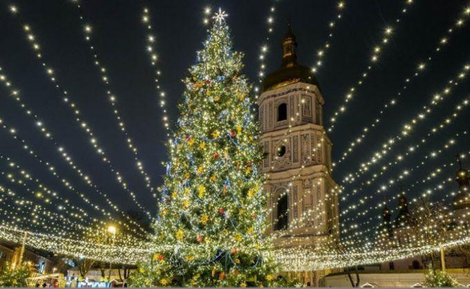Як зустрічали Новий рік-2018 у Києві: з'явилося вражаюче відео з висоти