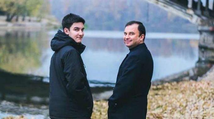 Ушел из жизни 21-летний сын украинского певца Виктора Павлика