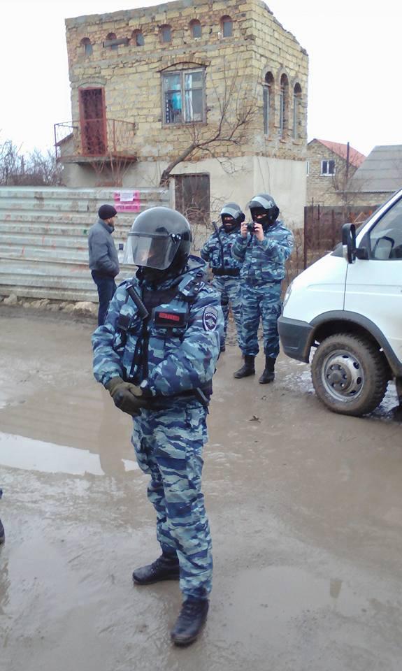 Оккупанты разошлись в Крыму, задержаны десятки людей: появились фото и видео (4)