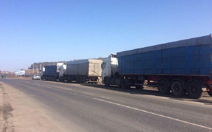 """Видео с попыткой """"каскадерской"""" кражи на трассе Киев-Ковель впечатлило сеть"""