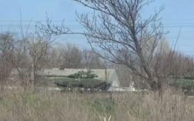 Западные СМИ показали видео с танками Путина у границ Украины