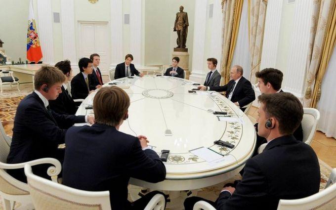 Британські студенти в Москві шокували хвалебними словами про Путіна: опубліковано відео