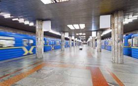 Плани перейменування станції метро в Києві викликали суперечки в соцмережах