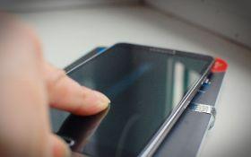 В США изобрели самовосстанавливающееся стекло для смартфонов
