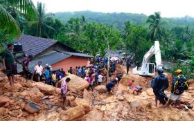 Страшна повінь на Шрі-Ланці забрала десятки життів: опубліковано відео