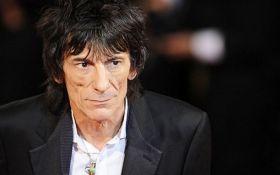 Гітариста Rolling Stones терміново прооперували