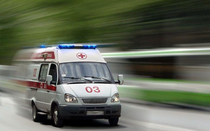 У Києві дівчина випала з маршрутки і ледь не загинула: з'явилися фото