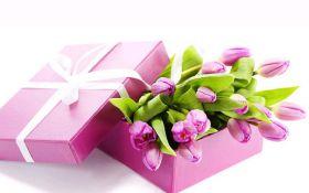 Подарунки на 8 березня колегам: кращі ідеї подарунків для колег - від скромних до оригінальних