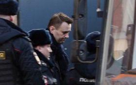 Массовые протесты в Москве: появилось видео жесткого задержания Навального