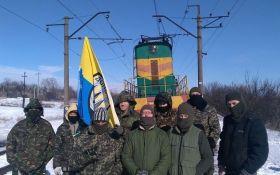 """Торговля с """"ордой"""" недопустима, но блокада Донбасса похожа на способ ее легализации - боец АТО"""
