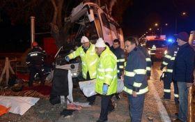 У Туреччині автобус зі школярами потрапив у жахливу ДТП, багато загиблих: з'явилося відео