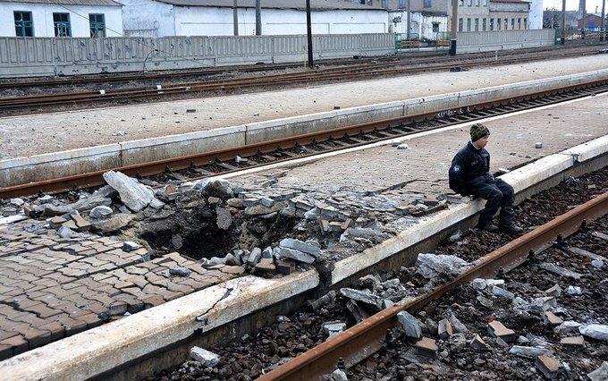 """""""Руський мир"""": в мережі жахнулися через свіжі фото розрухи в Дебальцеве (2)"""