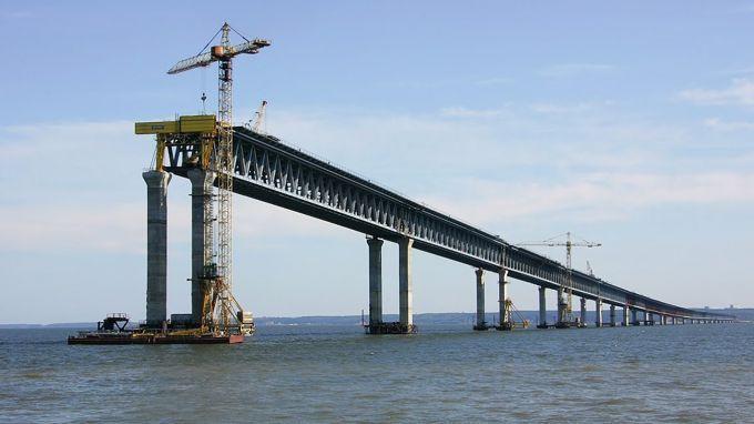 Строительство Керченского моста: оккупанты заявили о завершении важного этапа