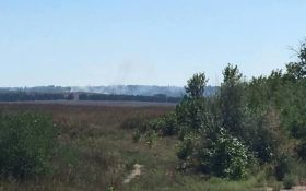 Стріляють з танка: з'явилося нове фото війни на Донбасі