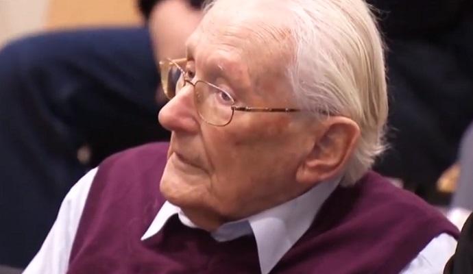 94-летний бывший охранник Освенцима предстал перед судом в Германии