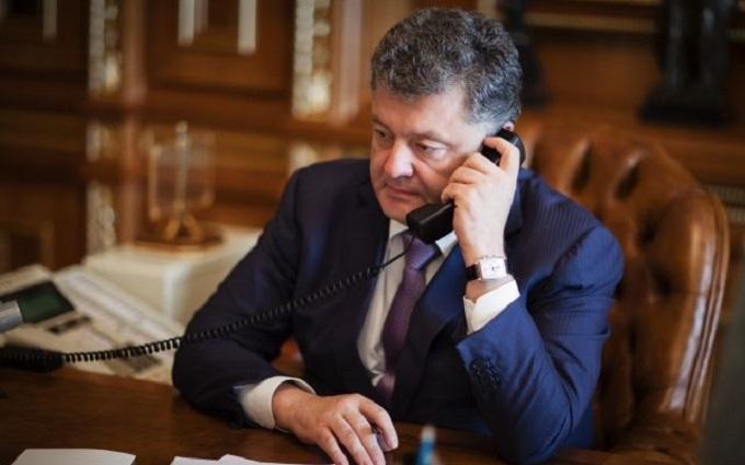 Як Порошенко подзвонив бійцю АТО: мережу підірвало відео