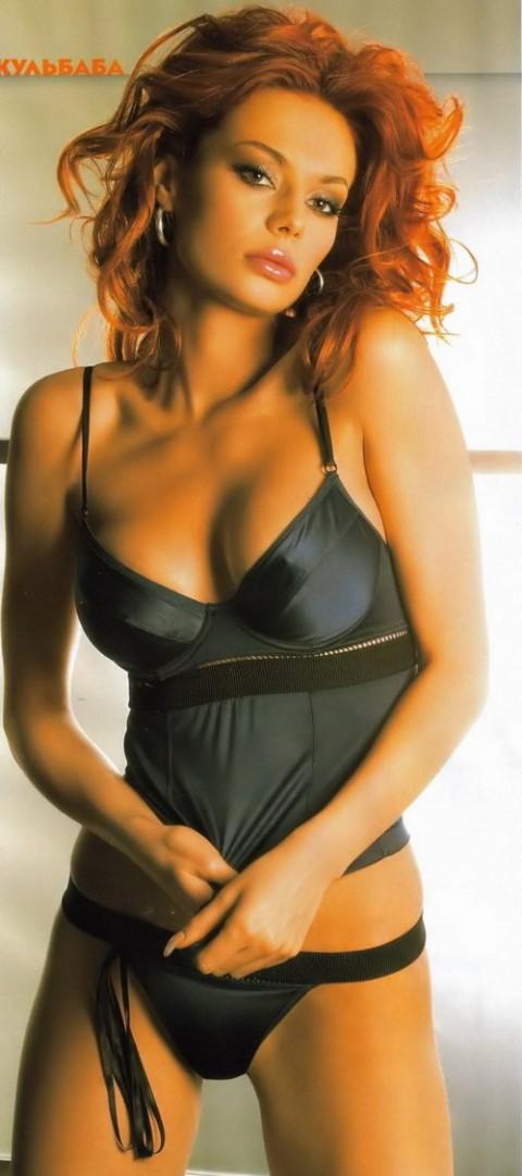 -golie-znamenitie-aktrisi-televedushie-zhenshini