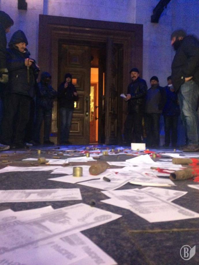 """Мінування, гільзи і """"кров"""": у Чернігові намагалися зірвати концерт Лободи, з'явилися фото і відео (1)"""