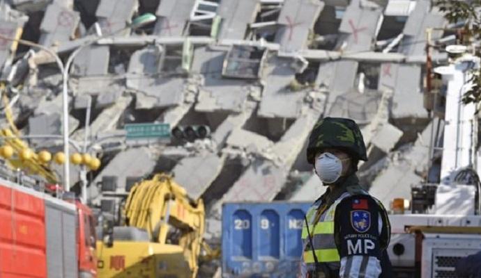 Проектировщик арестован за обрушение здания во время землетрясения на Тайване