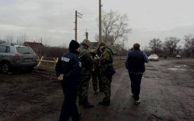 На месте блокады на Донбассе произошел инцидент, задержаны десятки людей: появились фото
