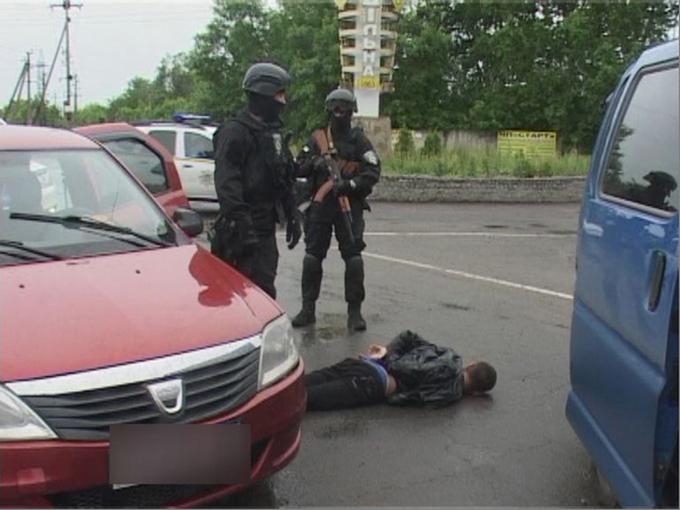 Під Одесою знешкодили небезпечну банду: опубліковано ефектне відео (1)