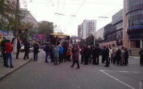 Одесситы перекрывают улицы, требуя дать им электричество: опубликованы фото