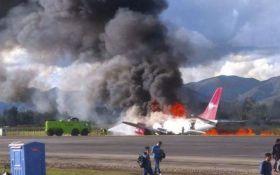 Авиалайнер с пассажирами вспыхнул во время посадки: появилось видео