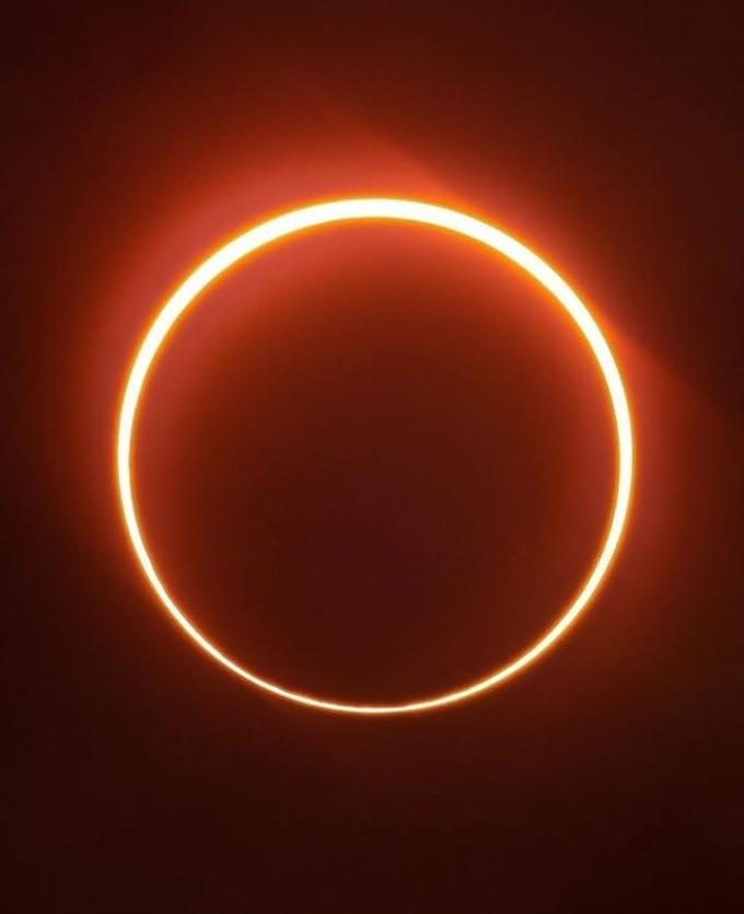 Як пройшло повне сонячне затемнення 2020 року - вражаючі фото вогняного кільця (2)